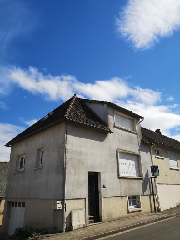 Maison T3  rennovée Centre ville de Pierres
