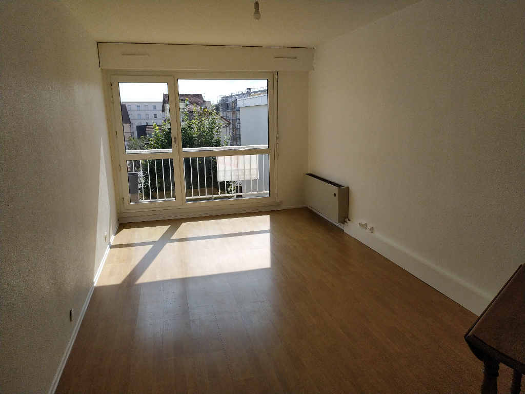 Appartement 3 pièces proche gare.