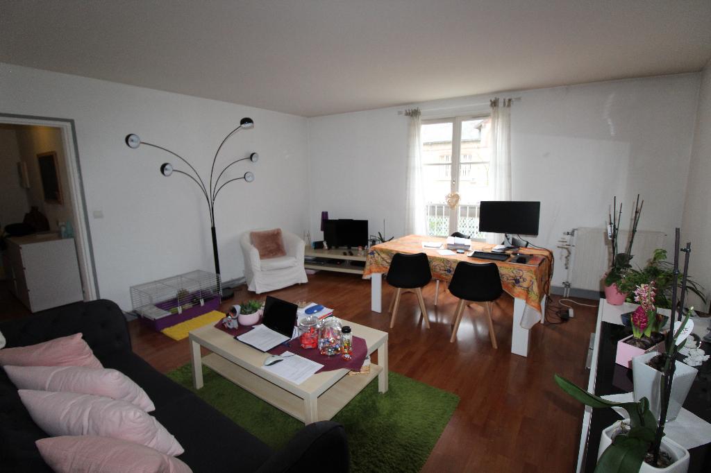Appartement Chartres Basse ville 3 pièce(s) 67m²
