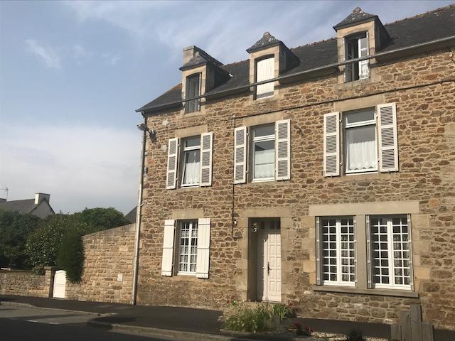 Maison Saint Lormel 160.37 m2