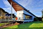 Maison d'architecte avec vue mer