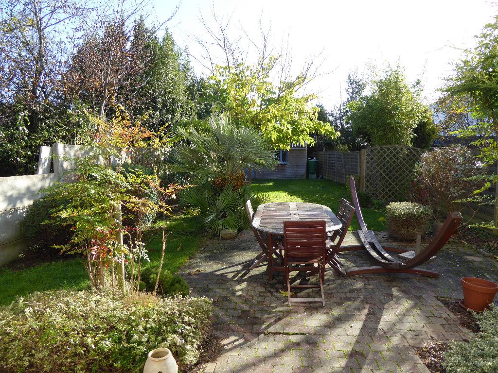 Contrie/Joncours  Maison nantaise jardin sud-est  et garage