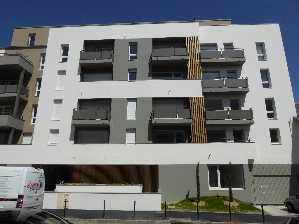 LONGCHAMP / BEAUSEJOUR T4 - 3 chambres avec parking