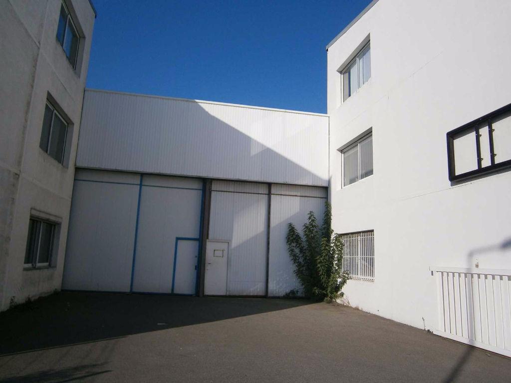 Local d'activité à vendre 2 160 m²