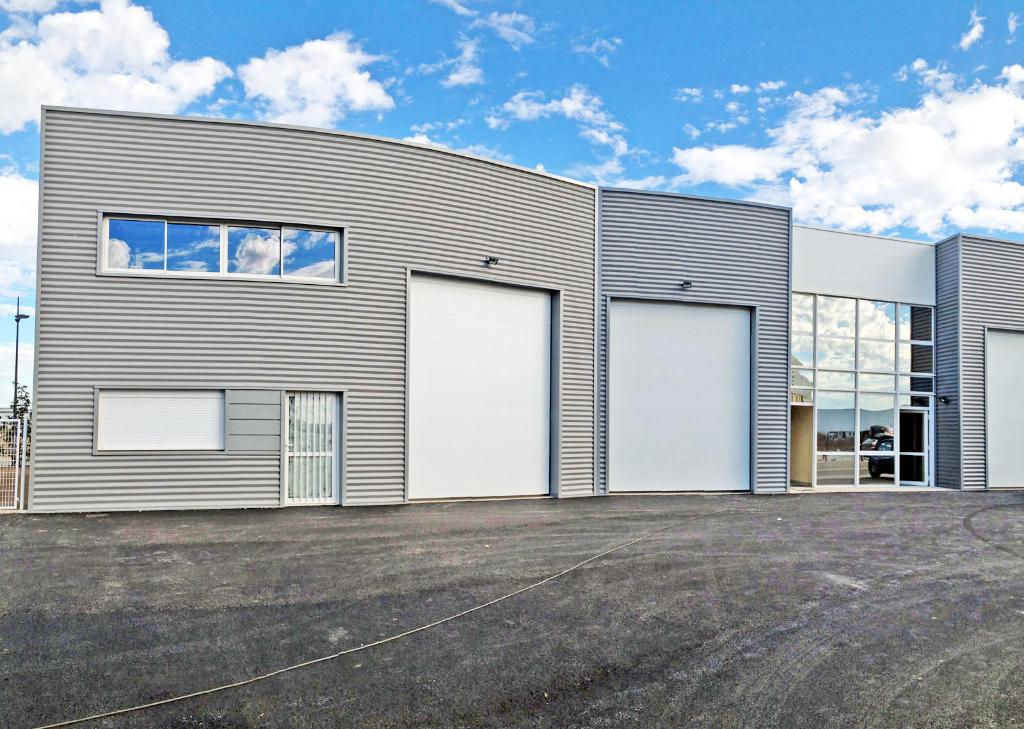 Local d'activité 290 m²