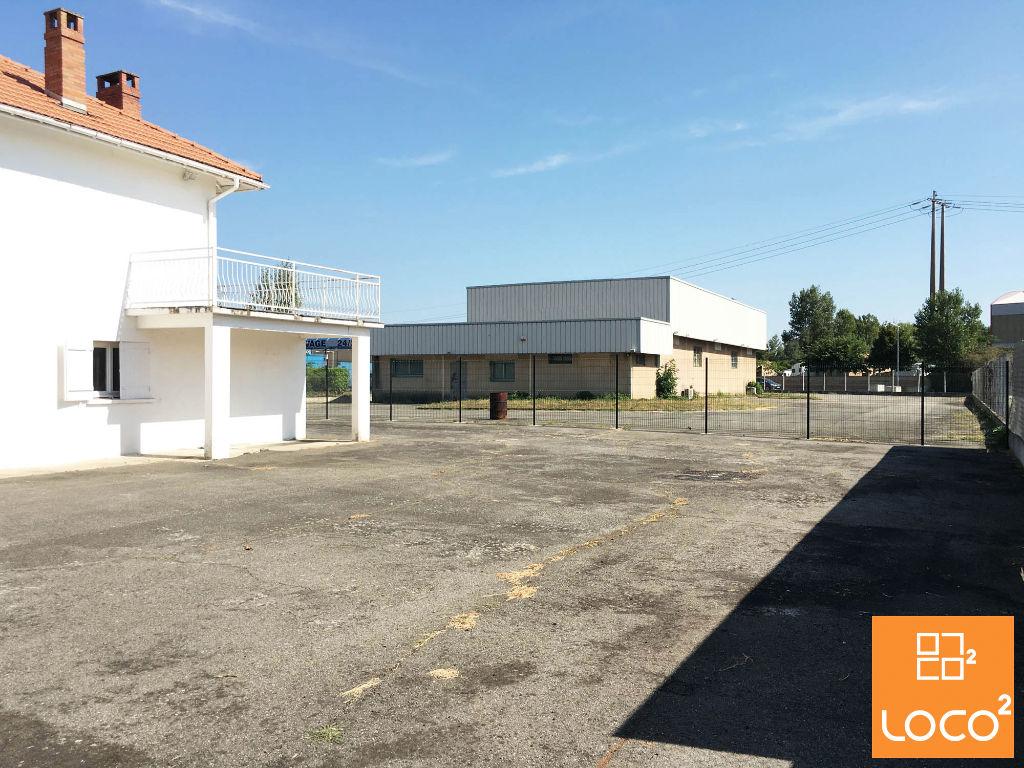 Vente Local commercial 330 m²