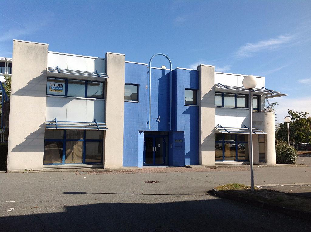 TECHNOPARC 4 / Bureaux à BASSO CAMBO