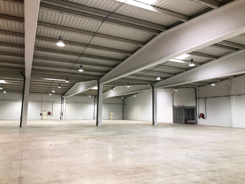 Location Entrepôt indépendant 7 427 m²