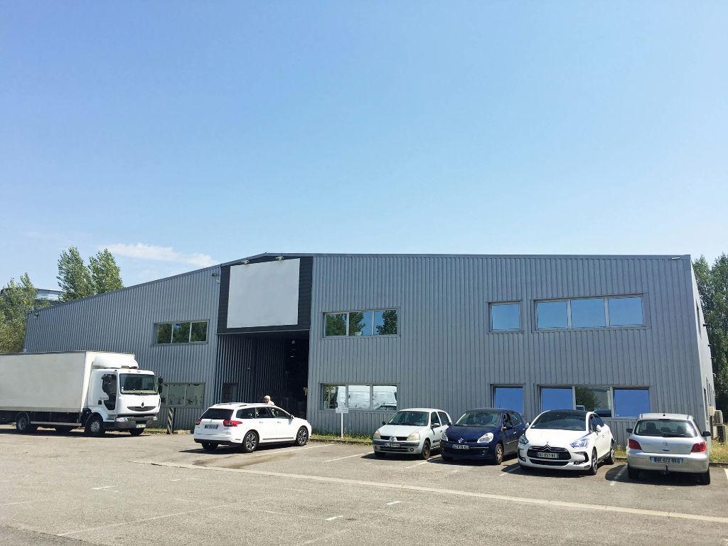 Local d'activité de 1 600 m² à vendre à Saint Jean - Nord Est Toulouse