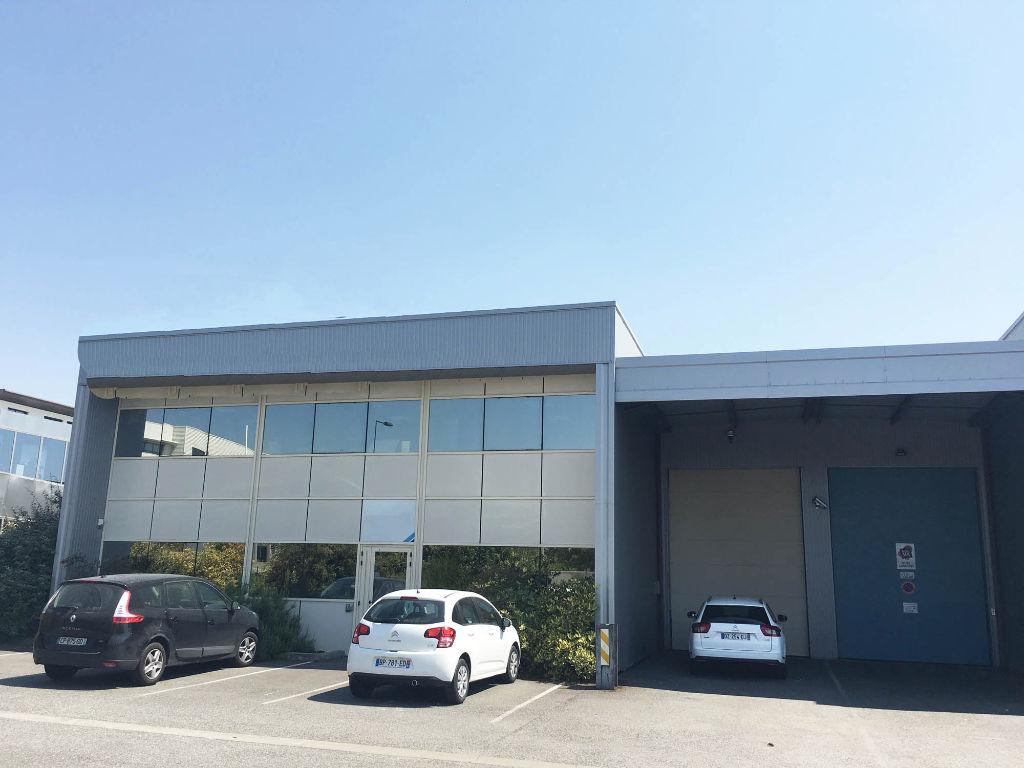 Local d'activité à louer de 700 m² à Saint Jean