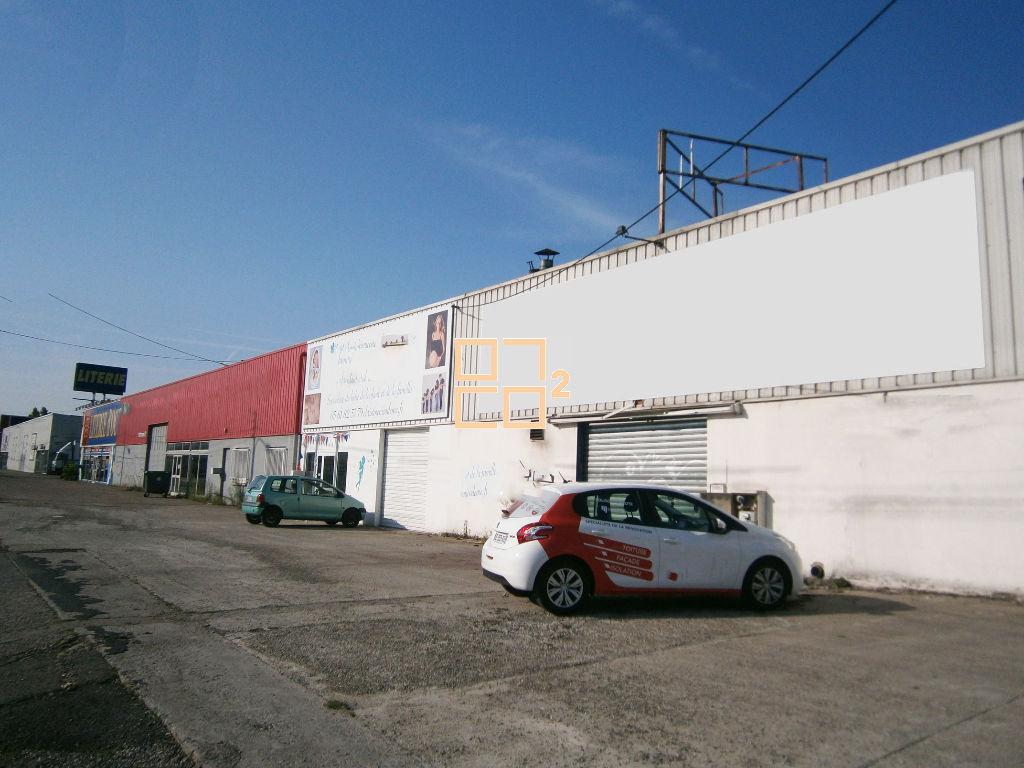 Local commercial de 830 m2 idéalement situé avenue des Etats unis Toulouse à louer