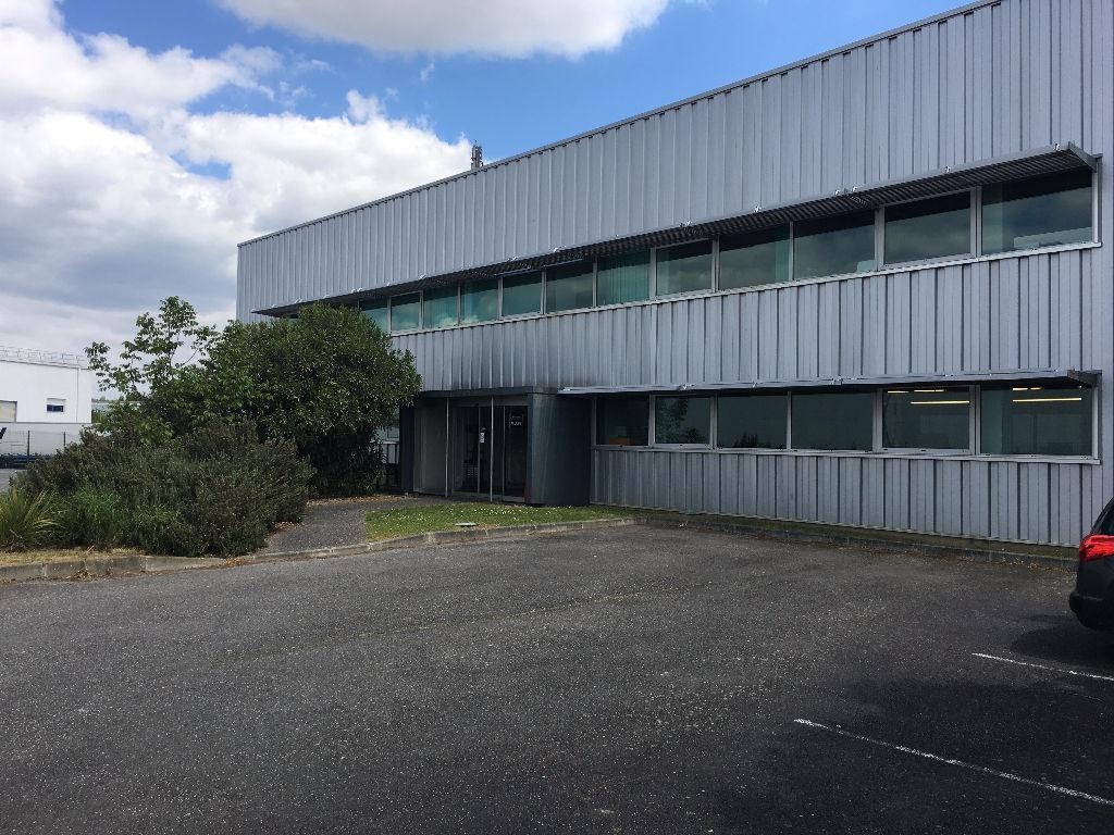 Secteur Nord de Toulouse - péage St Jory, bâtiment de stockage de 9 096m² à louer