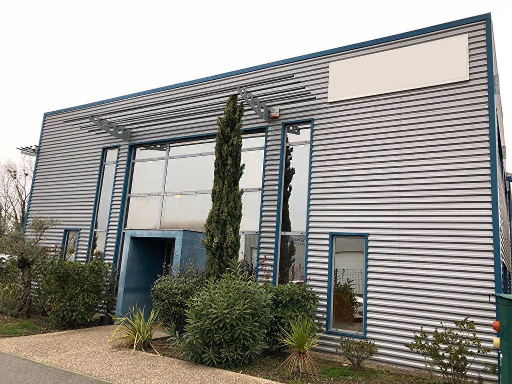 Local d'activité à louer Gratentour 736 m²