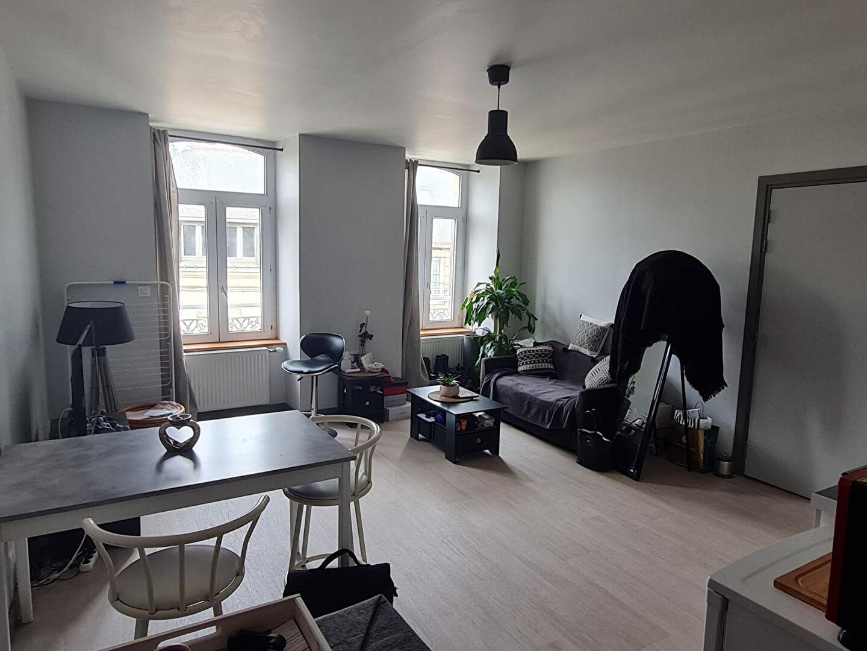 Appartement rénové à neuf en hyper centre ville