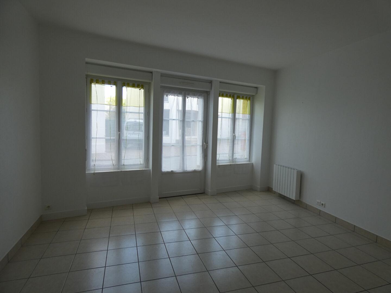 Appartement au rdc dans le centre ville de GUER