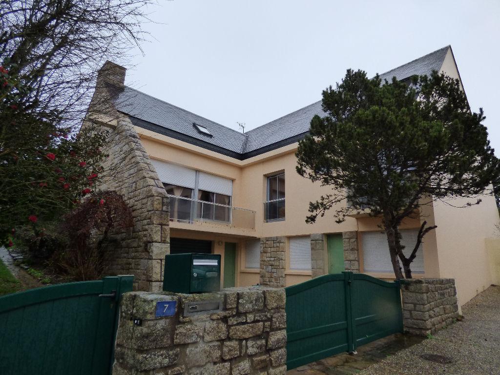 Maison/ villa  Ploermel 12 pièce(s) 300 m2