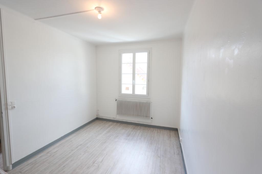 Appartement Chateaudun 1 pièce(s) 28.04 m2