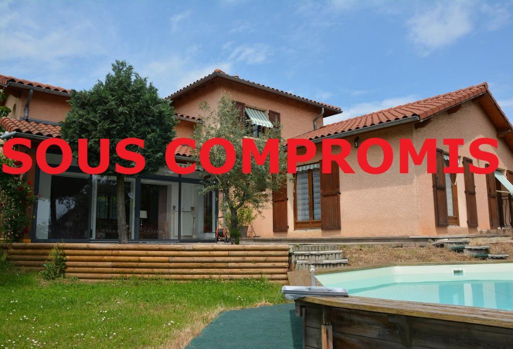 EXCLUSIVITE : Jolie villa 230 m² à FLEURIEUX SUR L'ARBRESLE