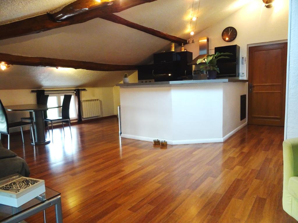 Appartement Grezieu La Varenne 2 pièce(s) 80 m2