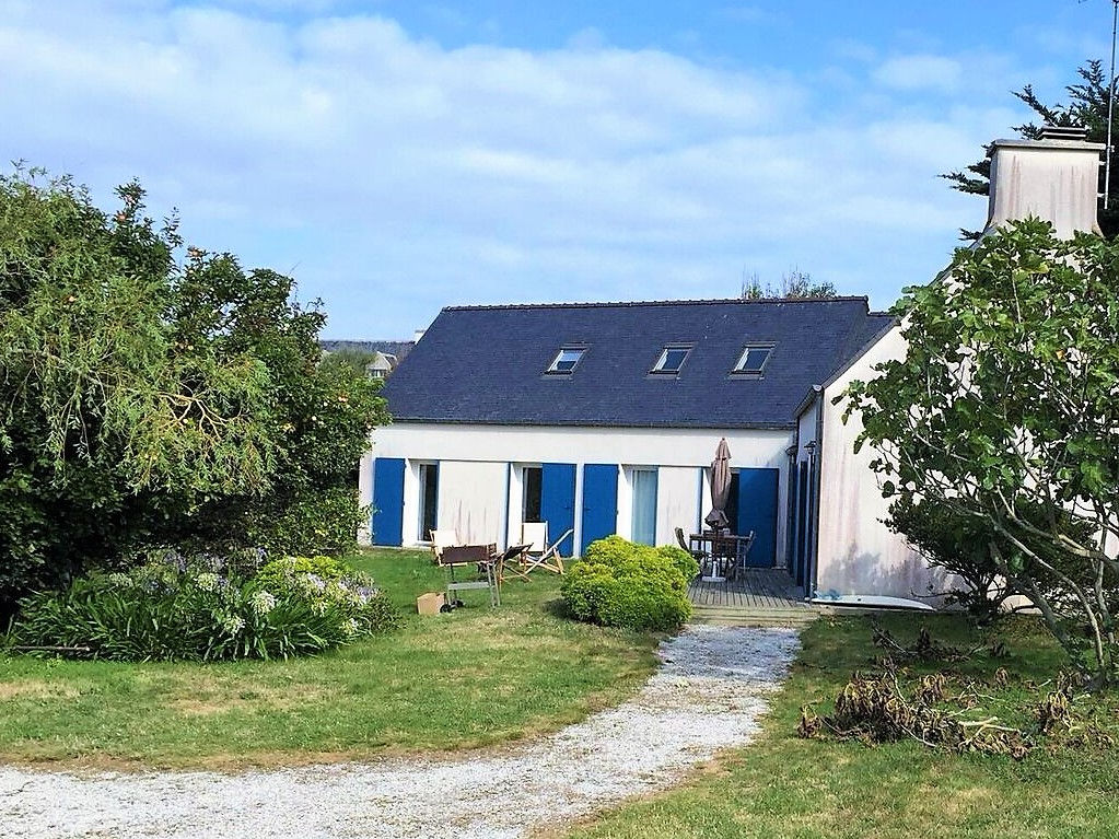 Grande maison sur terrain de 1 605 m² à Saint Guénolé