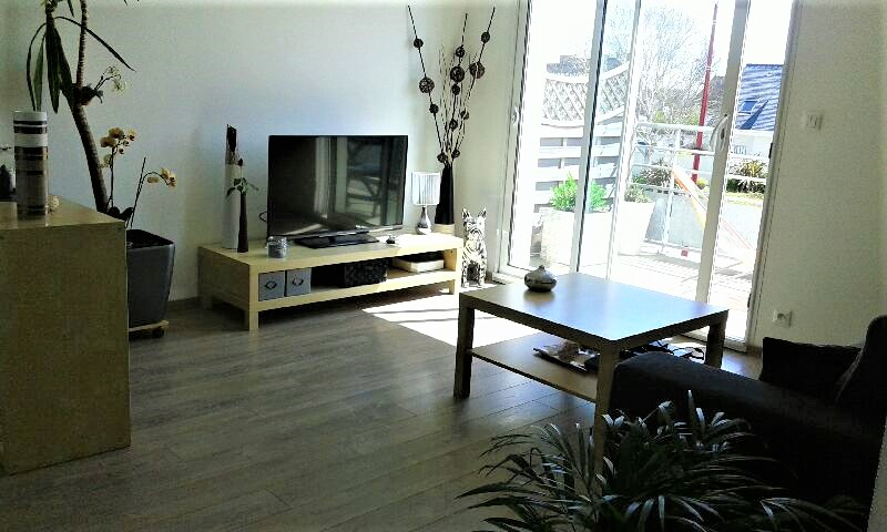 Appartement  1 ch - 41 m2 + grand balcon centre bourg de Plomeur