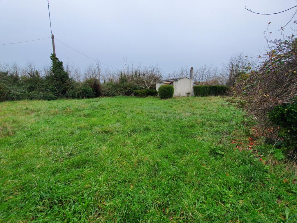 Terrain de 950 m2 avec cabanon 2,5 kms plage de Pors Carn Penmarch