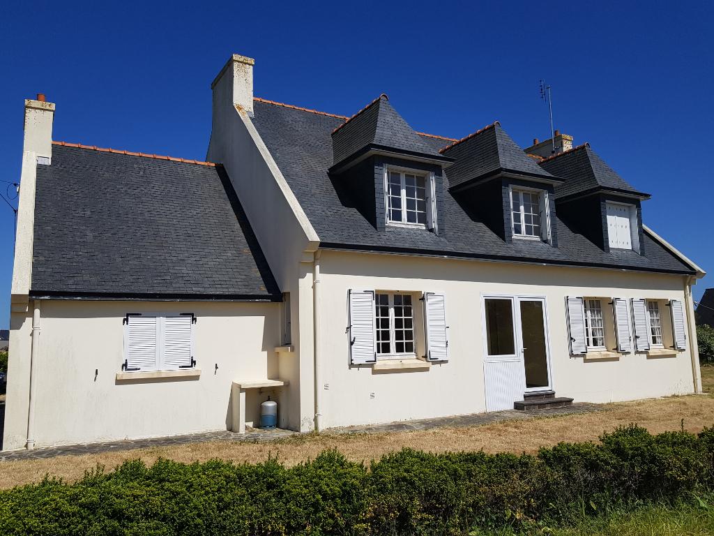 Néo-bretonne 4 ch+dortoir sur 1 460 m² de terrain entre St Guénolé et Kérity