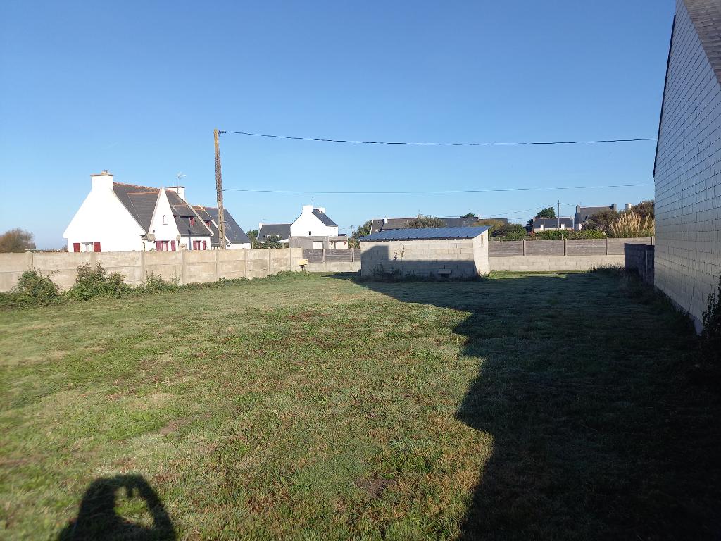 Terrain constructible de 395 m2 à Saint-Pierre - Penmarch