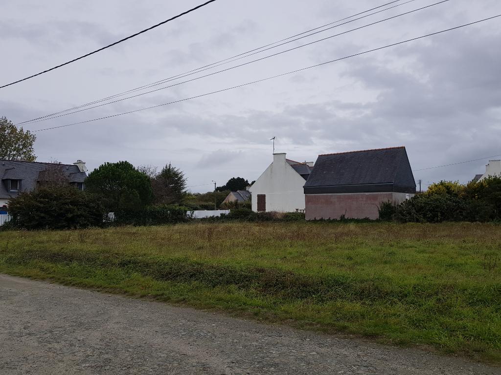 Terrain constructible de 701 m2 à Plomeur (côté Guilvinec)