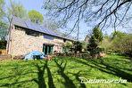 TEXT_PHOTO 3 - Les Chambres : ensemble de 2 maisons sur 1 hectare de terrain.