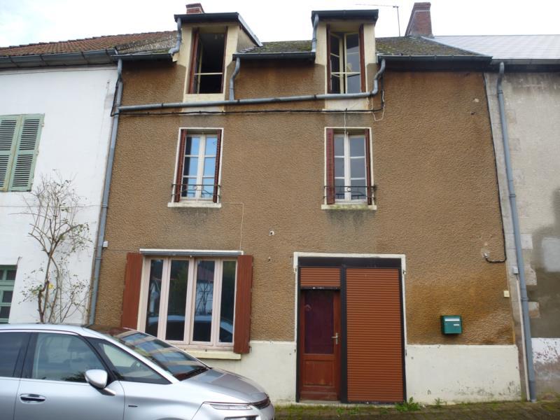 Maison de bourg avec 4 chambres et cour,