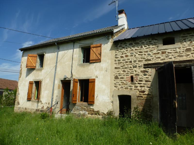 Virlet! Maison d'habitation type F3 avec terrain et dépendance.