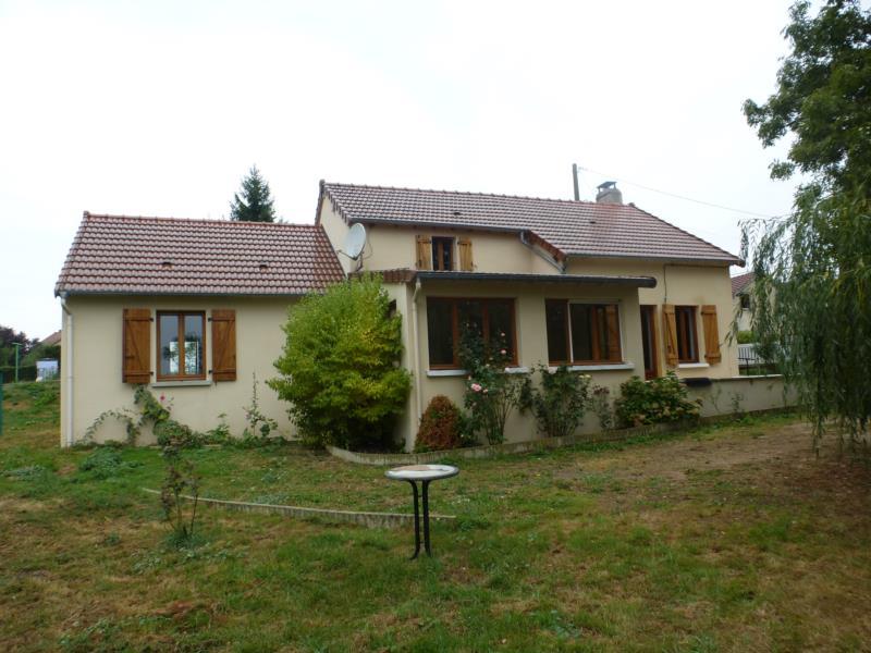 Saint-Eloy-les-Mines! Maison d'habitation type F4 avec terrain de 1316 m2.