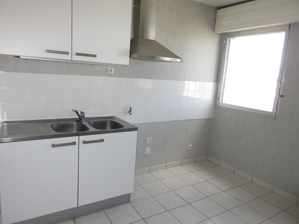 LOCATION MONTLUCON APPARTEMENT F2