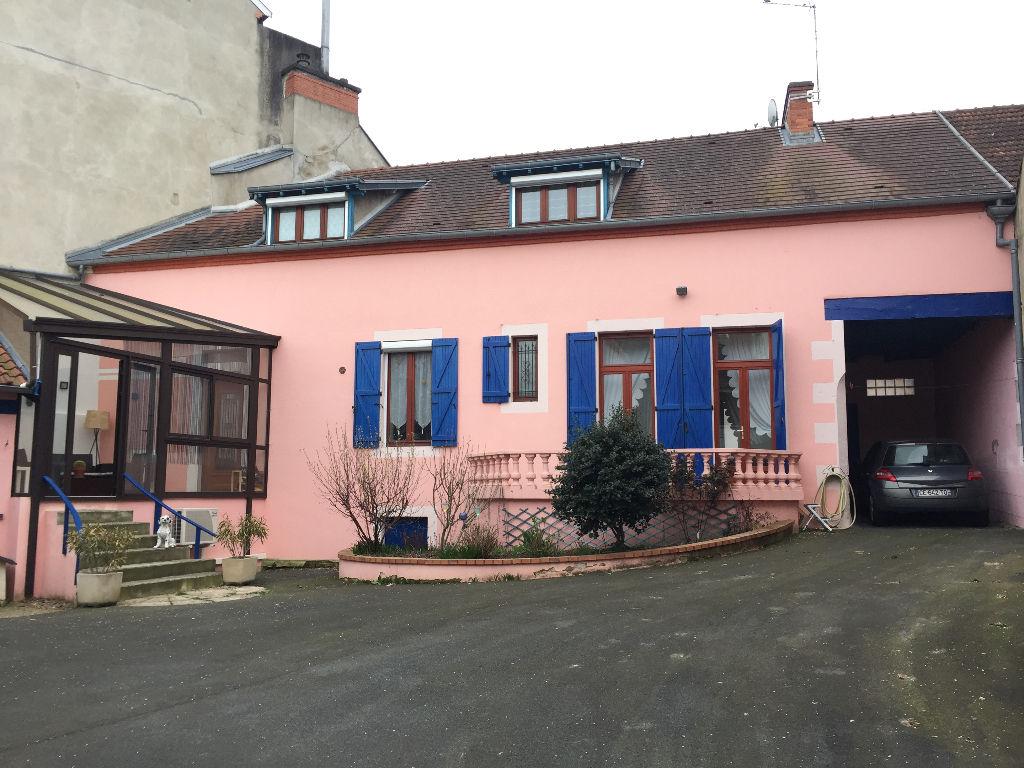 Maison à Montlucon