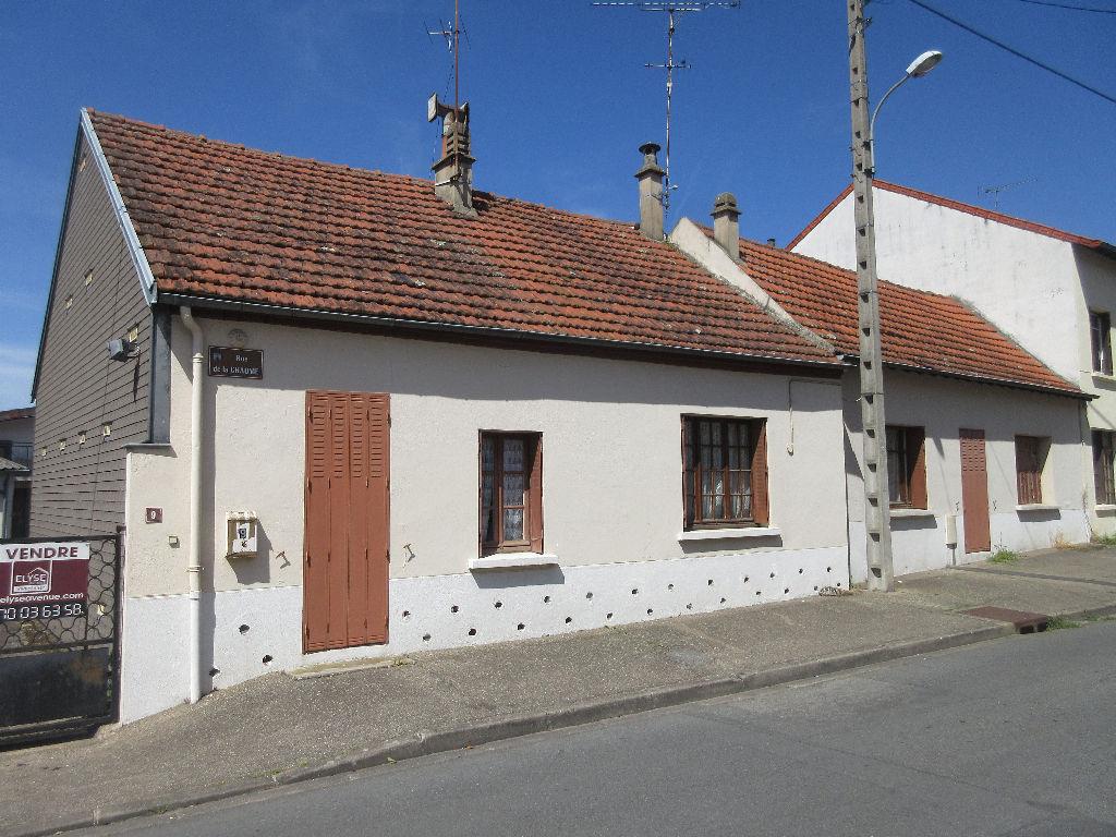 Maison à vendre à Montluçon, limite Désertines maison avec dépot