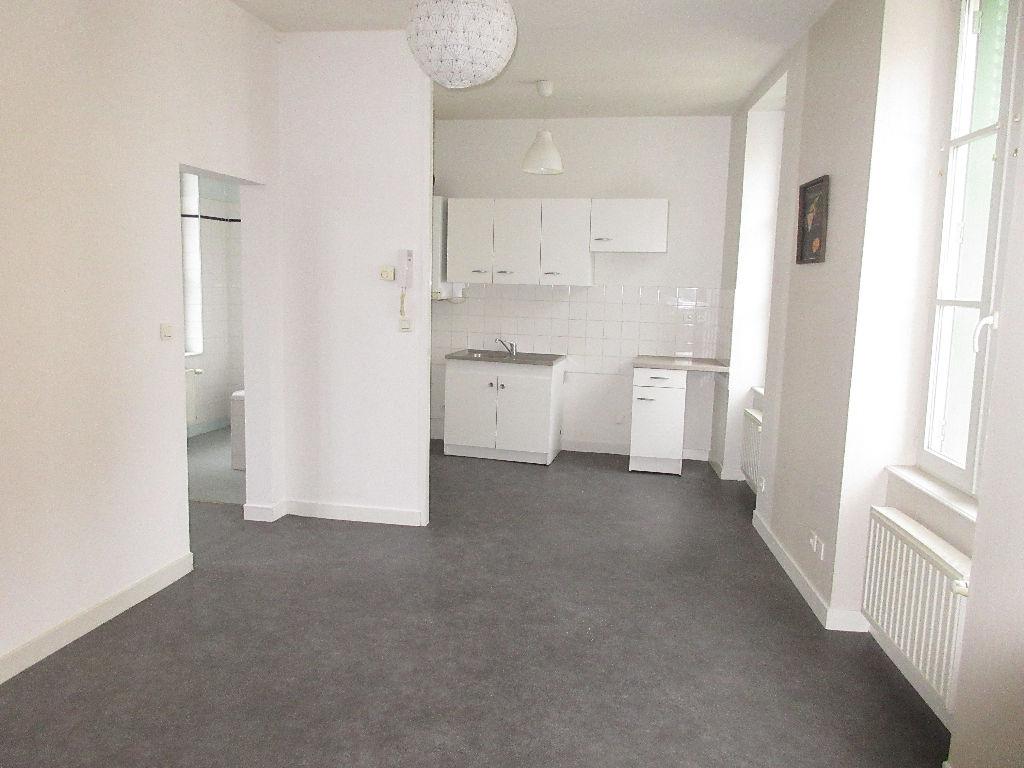 Appartement Montlucon 3 pièce(s) 60.26 m2