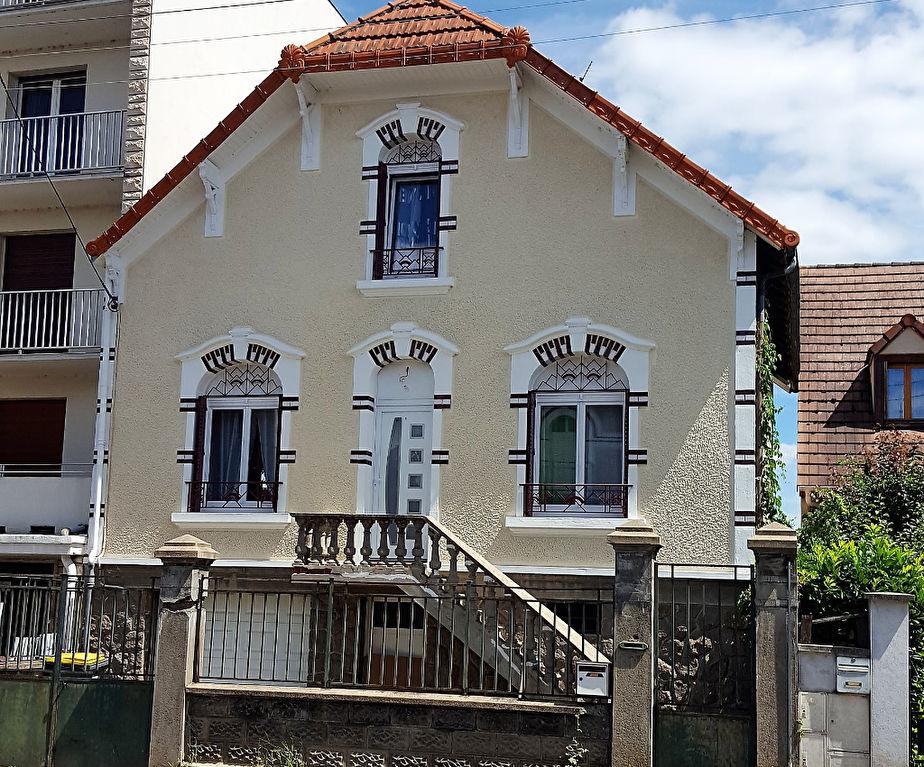 Maison Montlucon 5 pièce(s) 144 m2