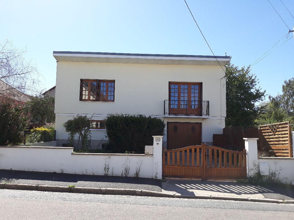 Villa Montlucon 4 pièce(s) 108 m2
