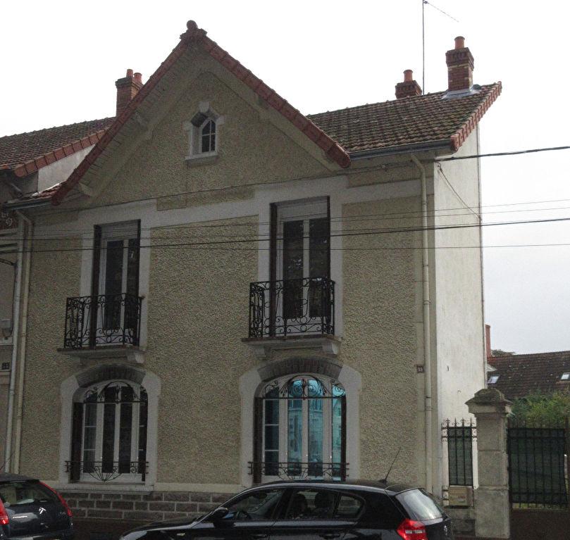 Maison Montlucon 4 pièce(s) 118 m2