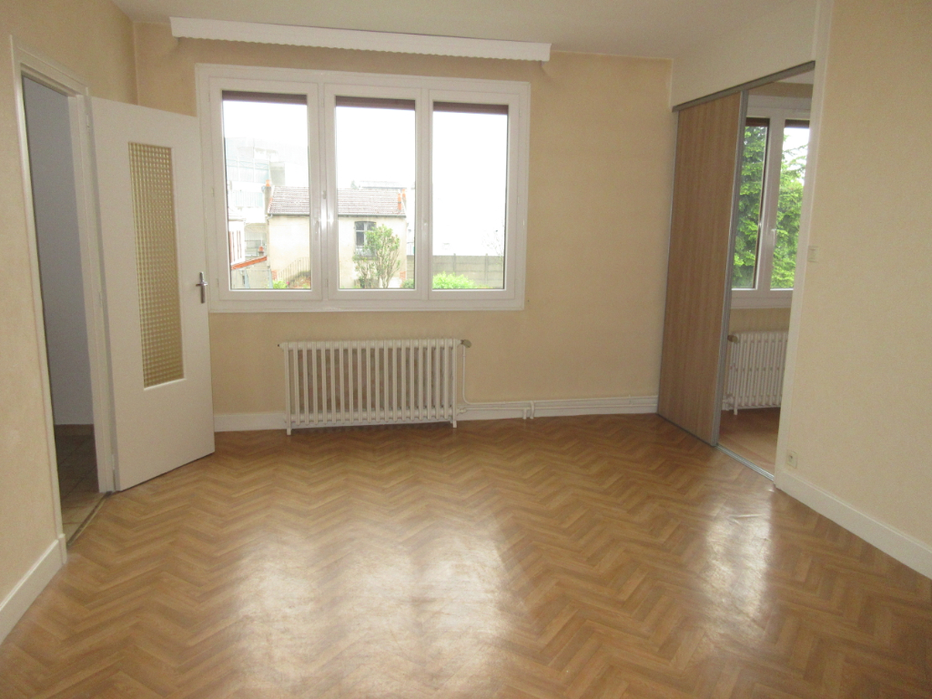 LOCATION APPARTEMENT F4 MONTLUCON
