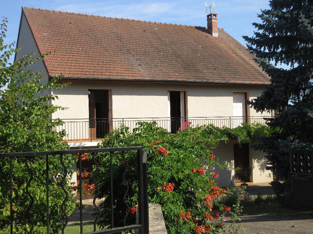 Maison Neris Les Bains 6 pièce(s) 217 m2