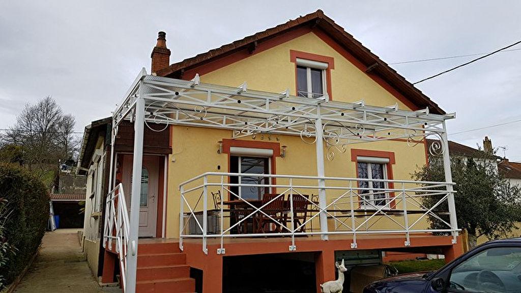 Maison Domerat 5 pièce(s) 139 m2
