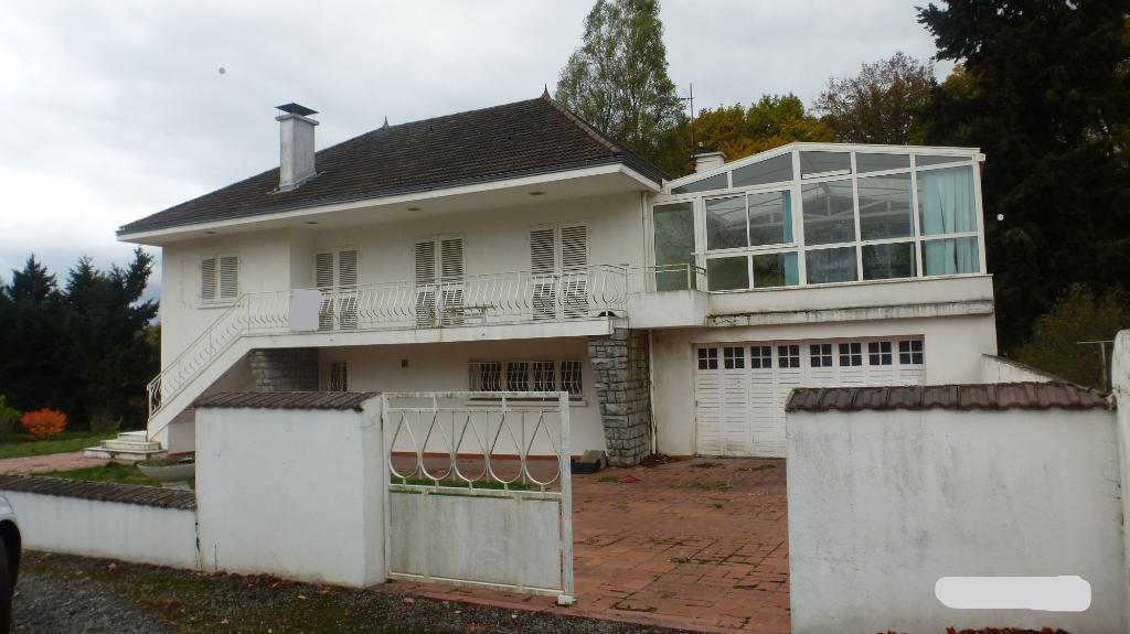 Maison Saint Eloy Les Mines 8 pièce(s) 236 m2