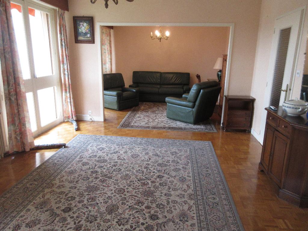 Appartement Montlucon 5 pièce(s) 93 m2