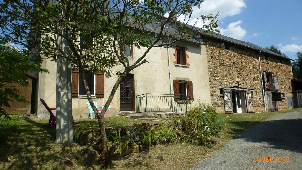 A vendre Maison Virlet 3 pièces 114 m2 nombreuses dépendances