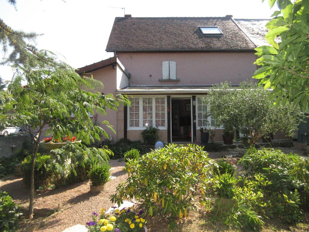 Maison F6  - 174 m2