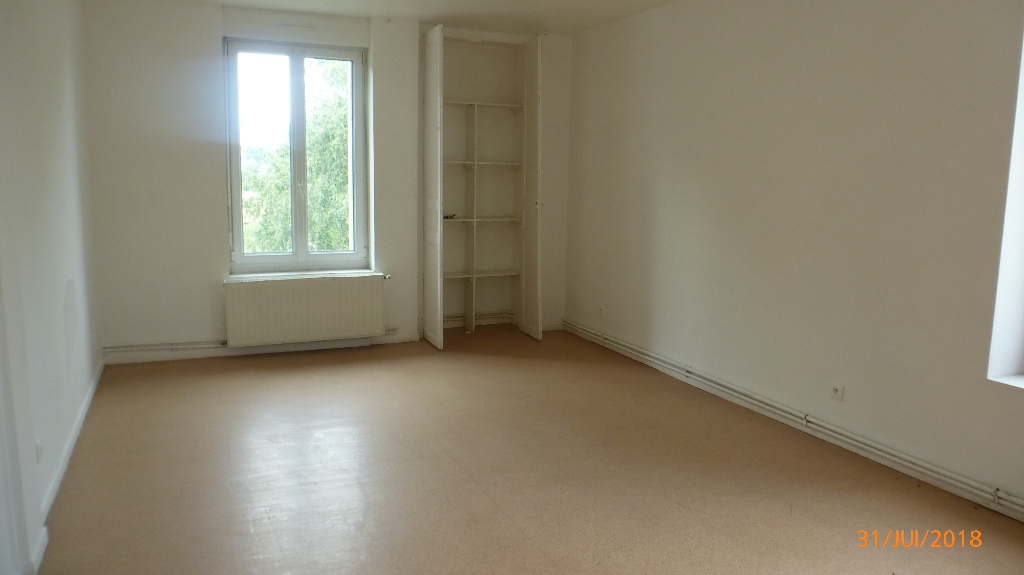 Appartement Saint Eloy Les Mines F4