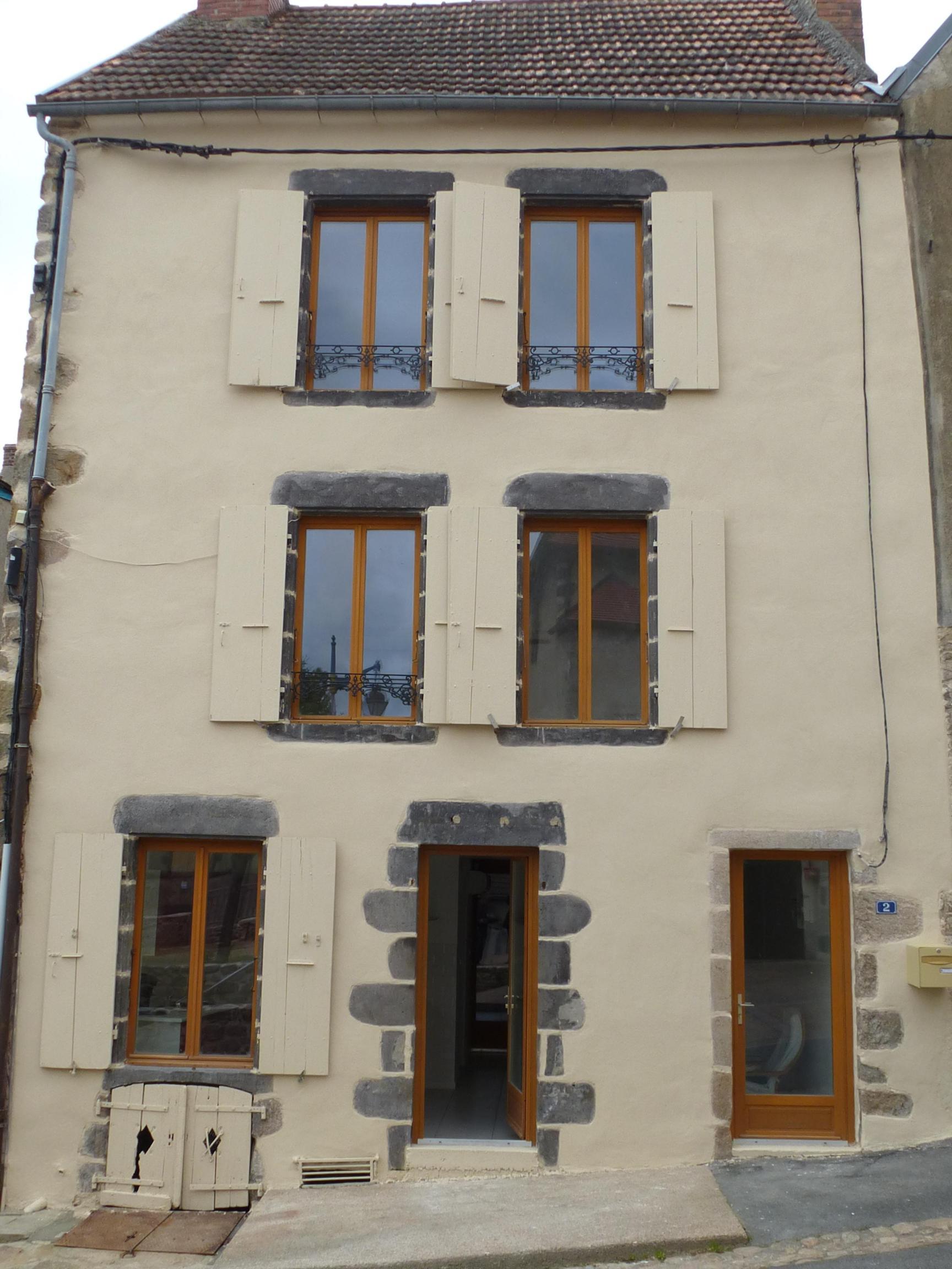 Maison type F3 refaite à neuf avec terrain de 550 m2.