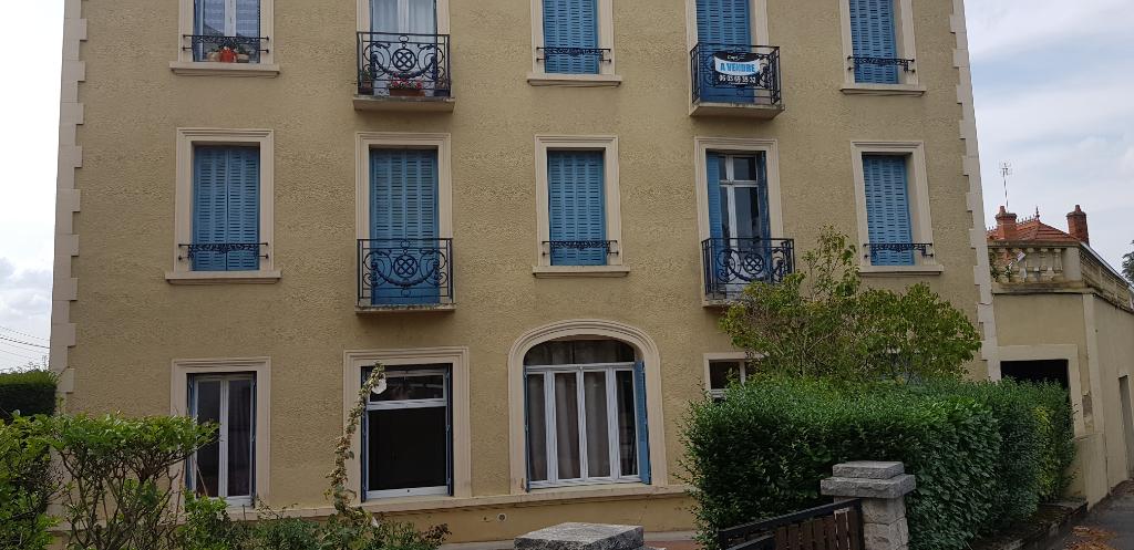 Appartement Neris Les Bains 4 pièce(s)